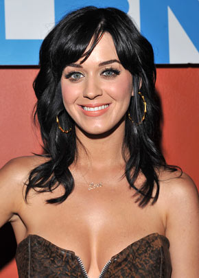 http://ipeoplewatch.files.wordpress.com/2010/05/katy-perry.jpg